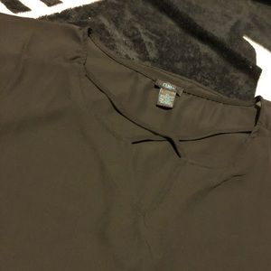 Rue21 plus 2x black blouse.